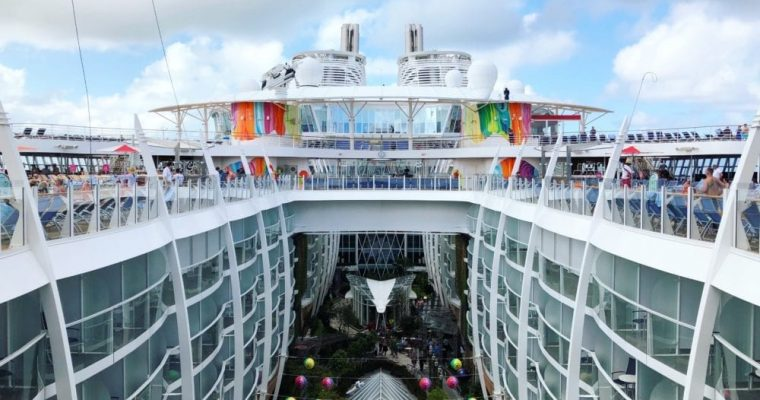 6 Reasons Symphony of the Seas Should Be Your Next Family Vacation