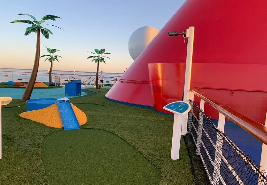Top Entertainment Spots on Carnival Cruises