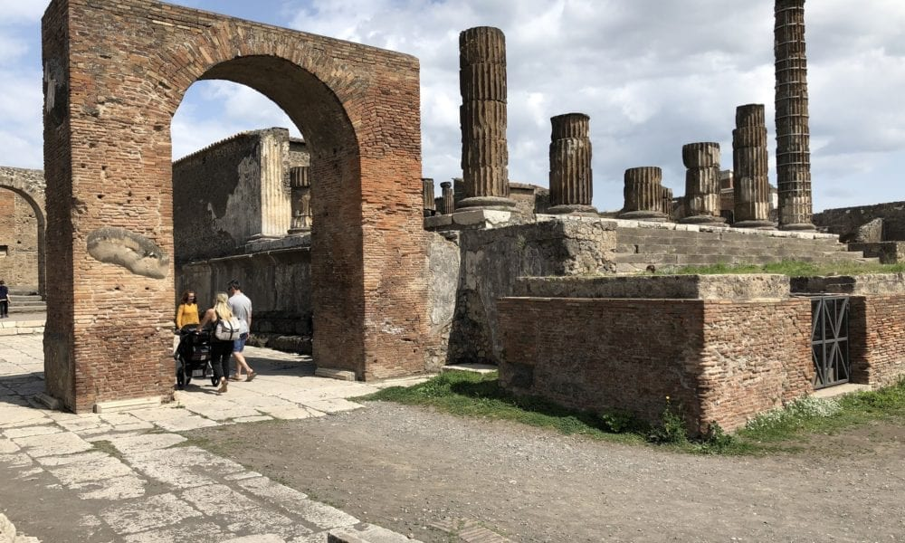 9 Popular Shore Excursions in Naples, Italy